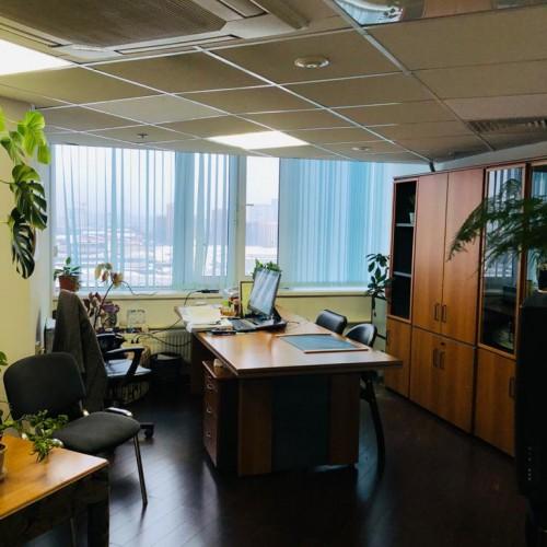 Офисное помещение 80  м²